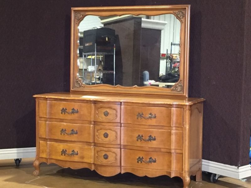 Combined Assets Gallery Estate Bankruptcy Liquidation Vintage French Provincial Dresser With Matching Nightstands French Provincial Dresser Dovetail Joinery