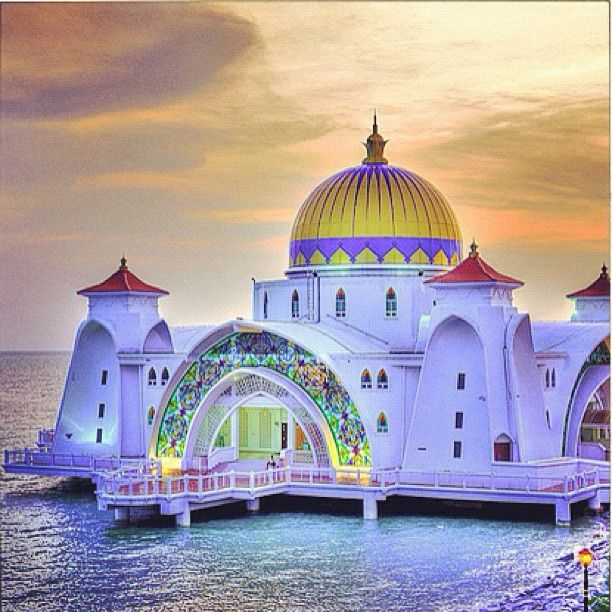 Beautiful Places In Malaysia With Description: Masjid Selat In Malaysia. Amazing Floating Mosque