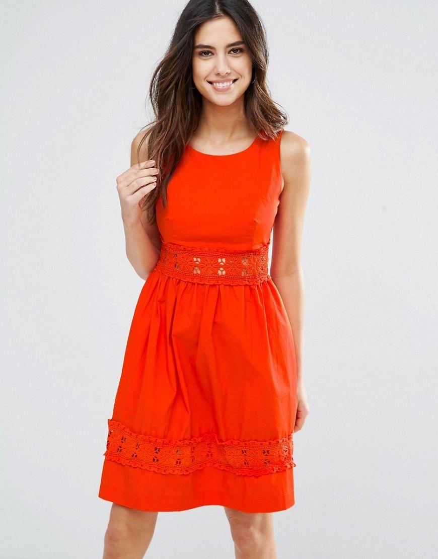 Louche - Larkspur - Kleid mit Häkelsaum - Rot Jetzt bestellen