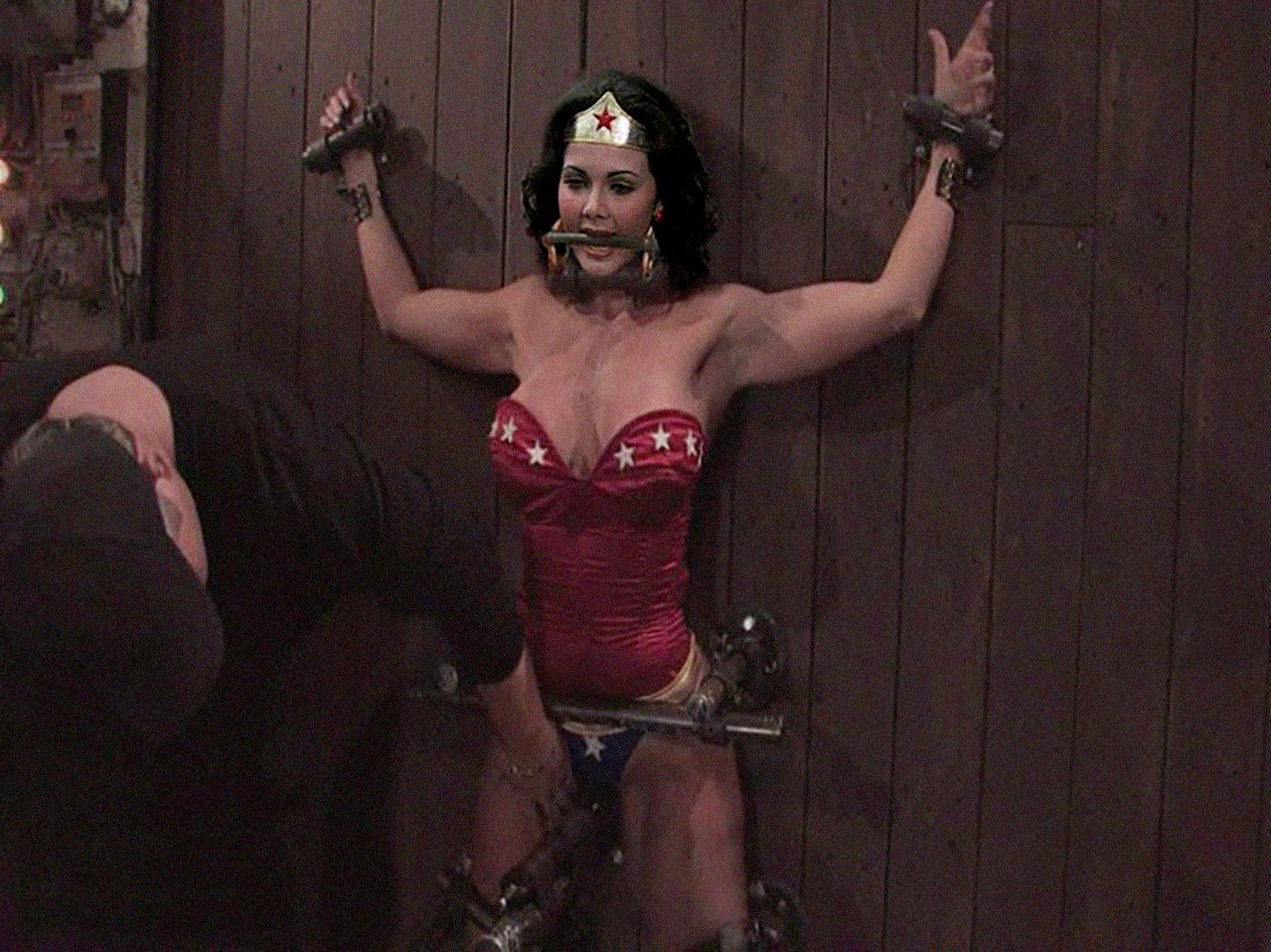 Wonder woman tied up nude