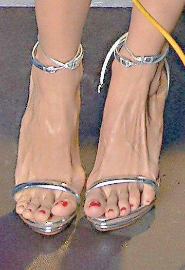 Nazan eckes füße