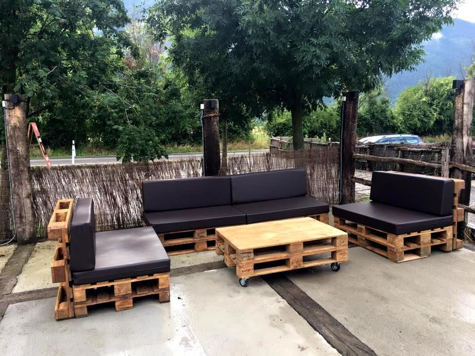 DIY Pallet Outdoor Sofa Ideas | Outdoor pallet, Pallet furniture ...