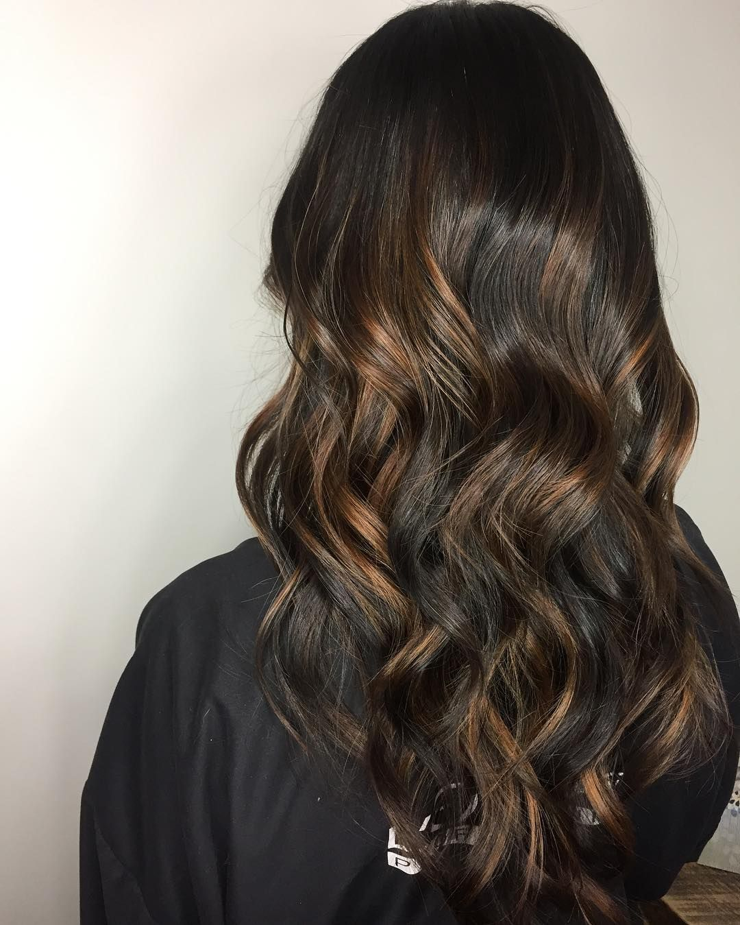 Wavy Dark Chocolate Brown Hair With Brown Balayage Dark Chocolate Brown Hair Brown Hair Balayage Brown Balayage