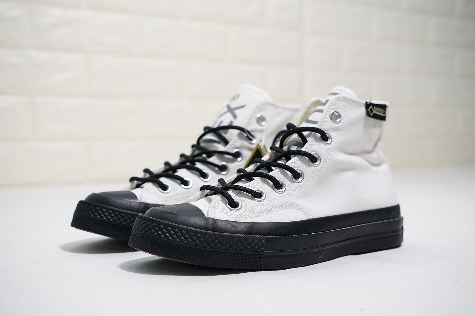21bd92ba9fab CONVERSE CHUCK TAYLOR ALL STAR GORE TEX 70S HIGH 162349C