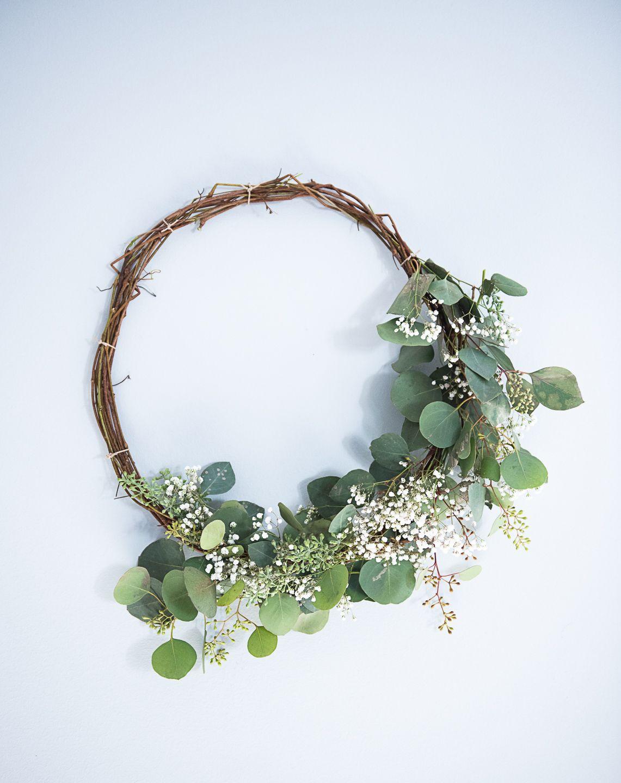 Photo of DIY Compostable Eucalyptus Wreath