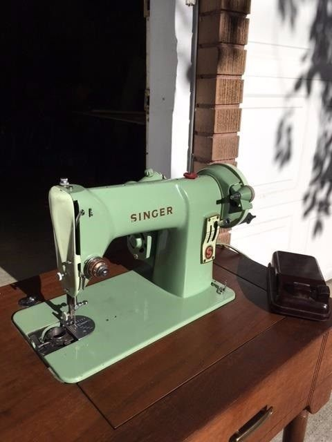 Vintage Singer Sewing Machine Jadeite Green Tuned Up Serviced Works Simple Sewing Machine Tune Up Near Me