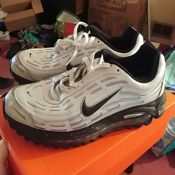 huge selection of 4fad0 d6433 Nike Air Max TL 2.5 Gently worn. Great condition. No box. Men s 8.5 women s  10. Nike Shoes Sneakers