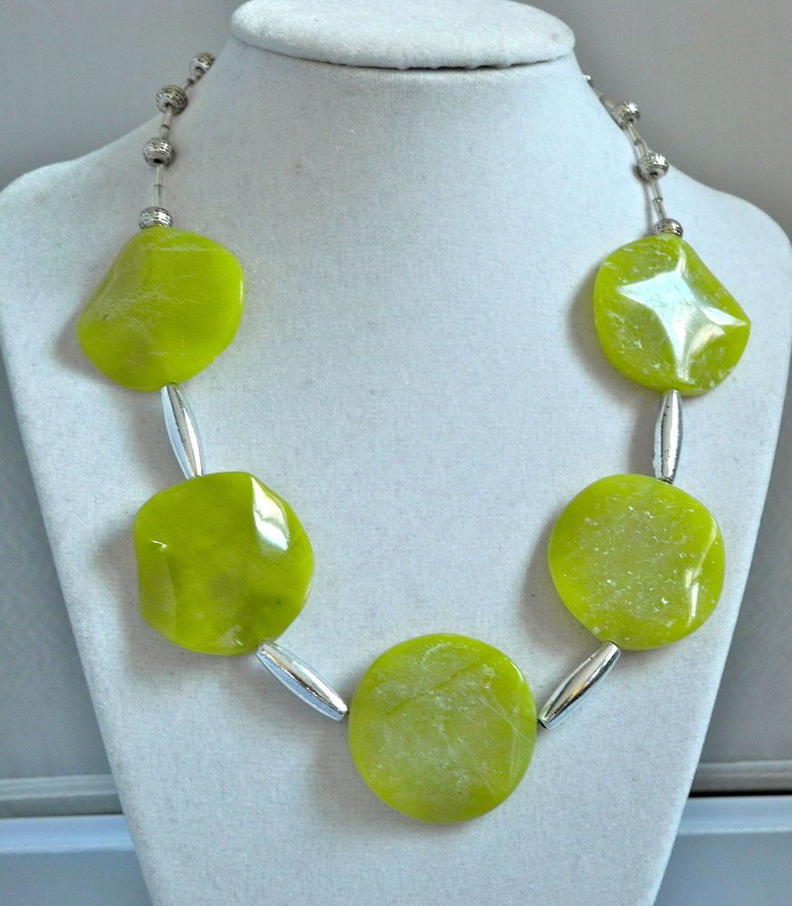 HANDCRAFTED STATEMENT LIME GREEN STONE NECKLACE W/METAL BEADS