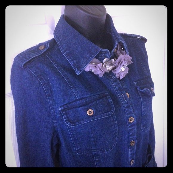 Dark denim dress This adorable dark denim dress is perfect for fall. Denim belt is included. Necklace not included. Dresses