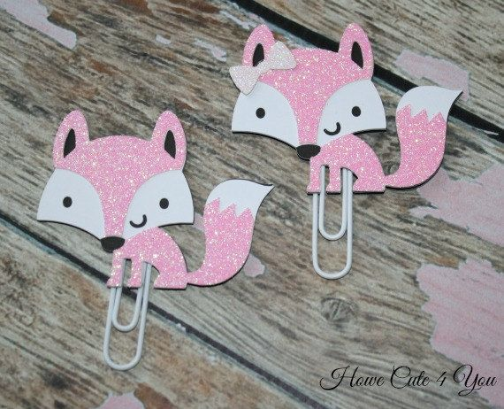 This listing is for 1 Fox clip, with or without a bow!  All my items are handmade. This is an adorable little pink glitter fox, size is about 2