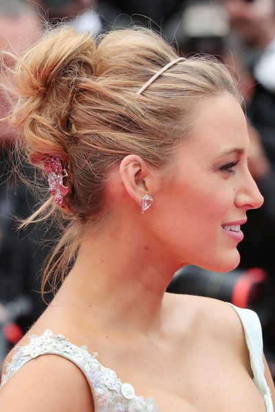 Blake Lively Photos Photos Slack Bay Ma Loute Red Carpet Arrivals The 69th Annual Cannes Film Festival Simple Wedding Hairstyles Celebrity Wedding Hair Hair Styles