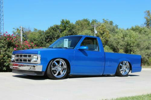 Clean Blue S10 I Absolutley Love This Color Vintage Pickup Trucks Chevy S10 Old Pickup Trucks