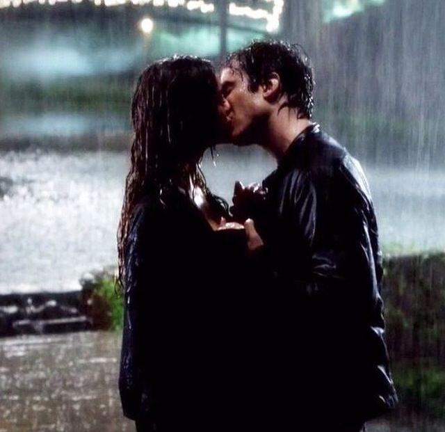 TVD 6x07 DELENA RAIN KISS