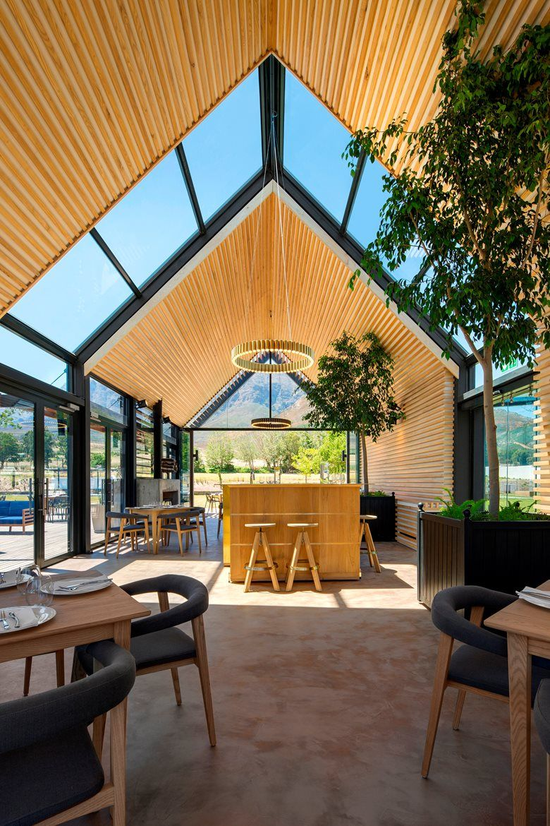 Kombuis Kitchen Restaurant Picture Gallery In 2020 Modern Barn House House Design Roof Design