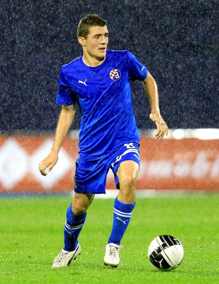 The Playing Fields Mateo Kovacic Mateo Kovacic Best Football Players Football