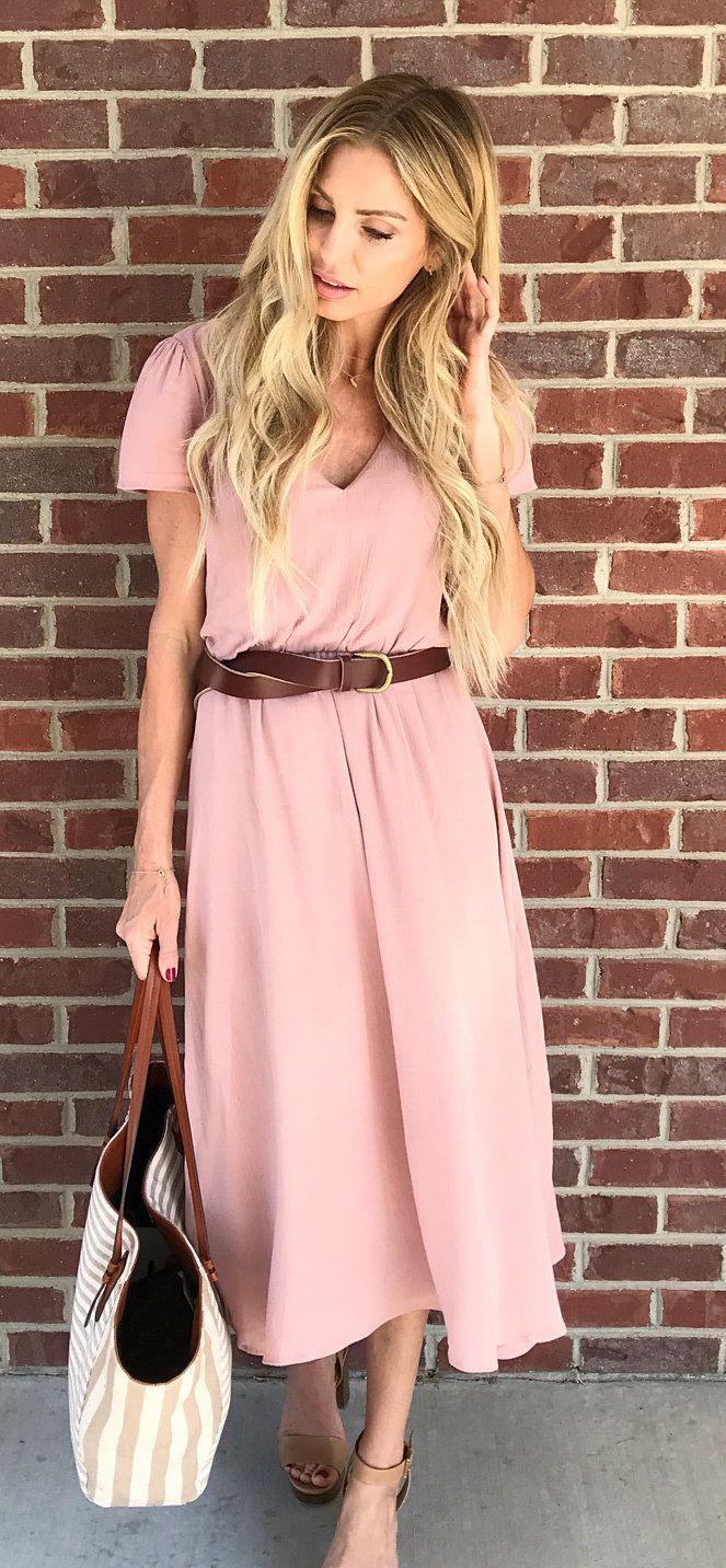 fall #outfits vestido rosa con cuello en v de las mujeres | Stitch ...