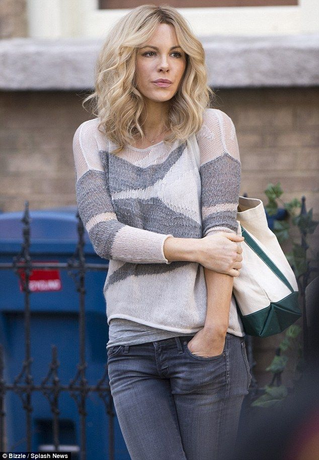 Kate Beckinsale swaps her brunette strands for shorter blonde locks ...