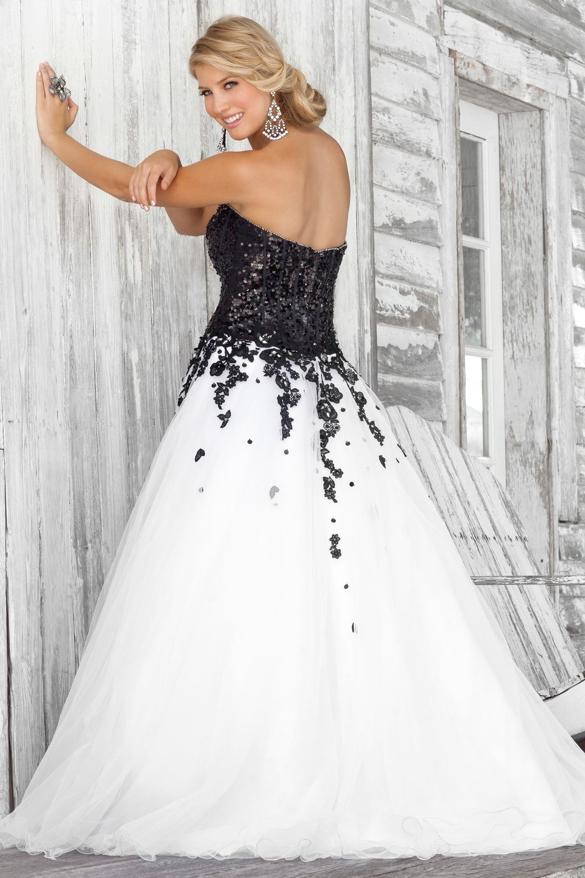 Black and White Wedding Dresses & Gowns Collection | Modern ...
