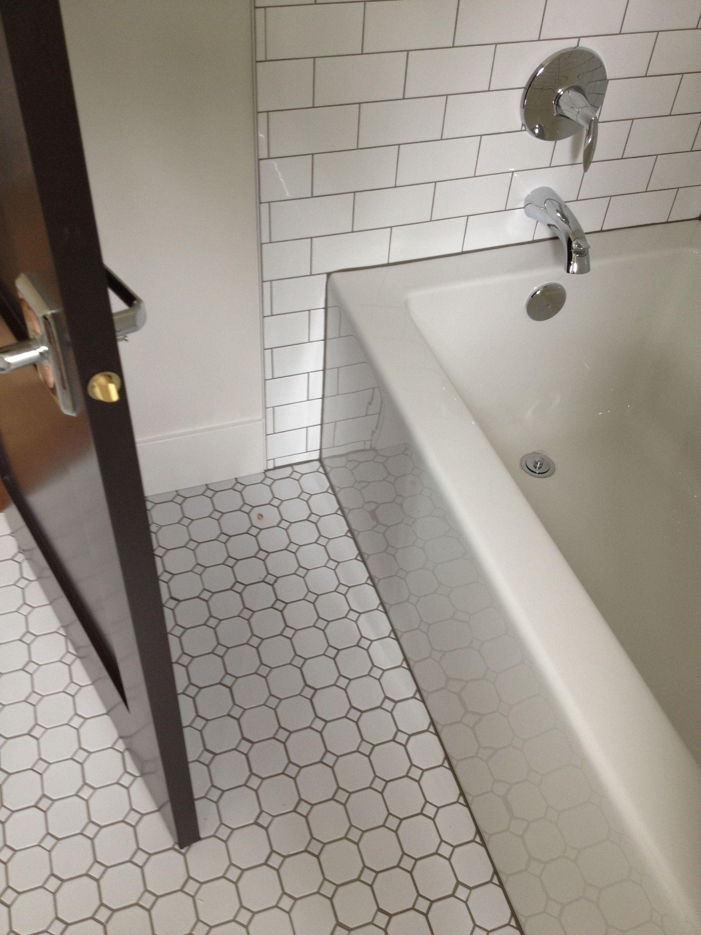Class Tile Combo Hexagon Tiles With Subway Crisp And Clean Kitchen Decor Apartment Kitchen Design Decor Tile Bathroom