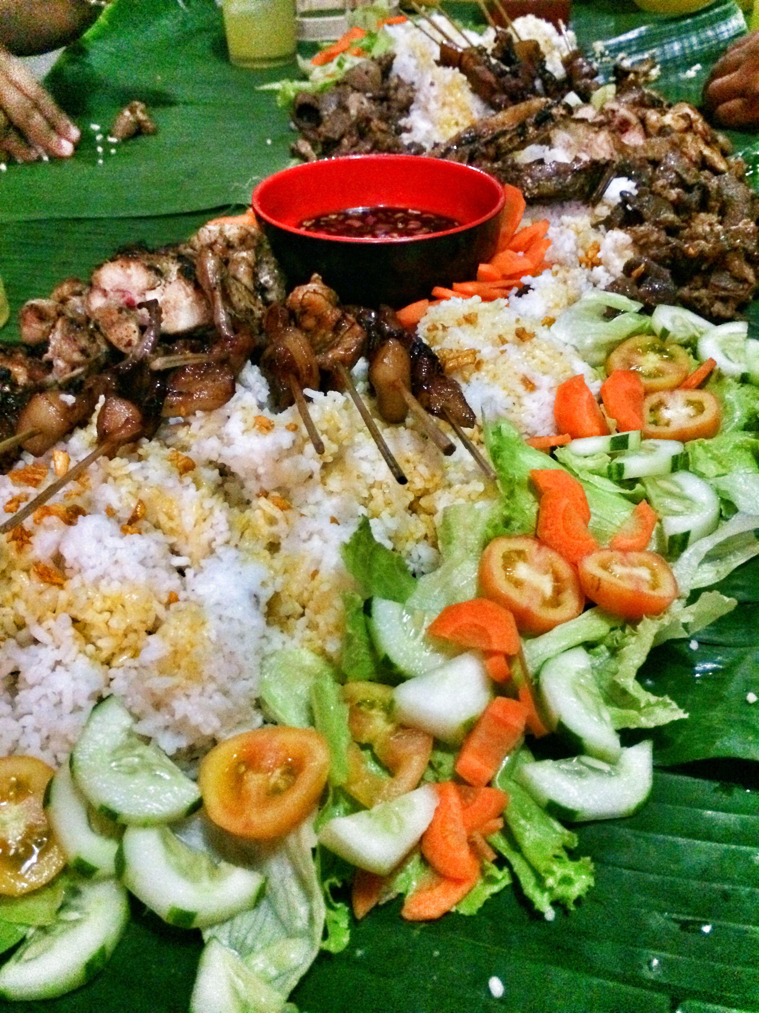 Boodle fight! Filipino food party, Filipino recipes