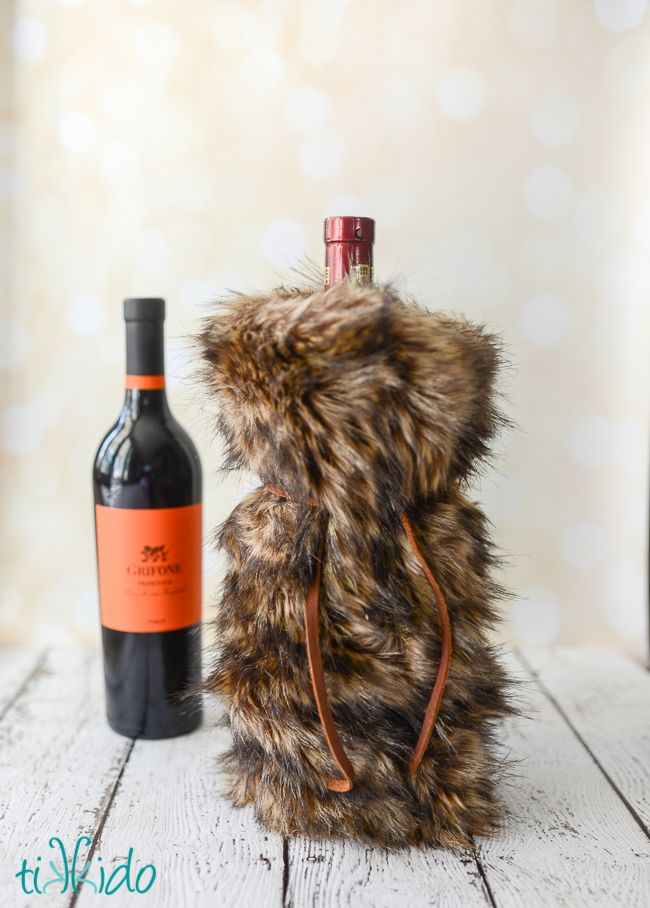 7d58bfdc6d81 Learn how to make luxurious faux fur wine bags for classy handmade holiday  gift giving this Christmas.