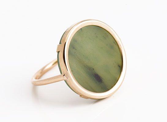La bague en jade de Ginette NY   Ooooh, shiny.   Jade ring, Jewelry ... 7f6a377df57a