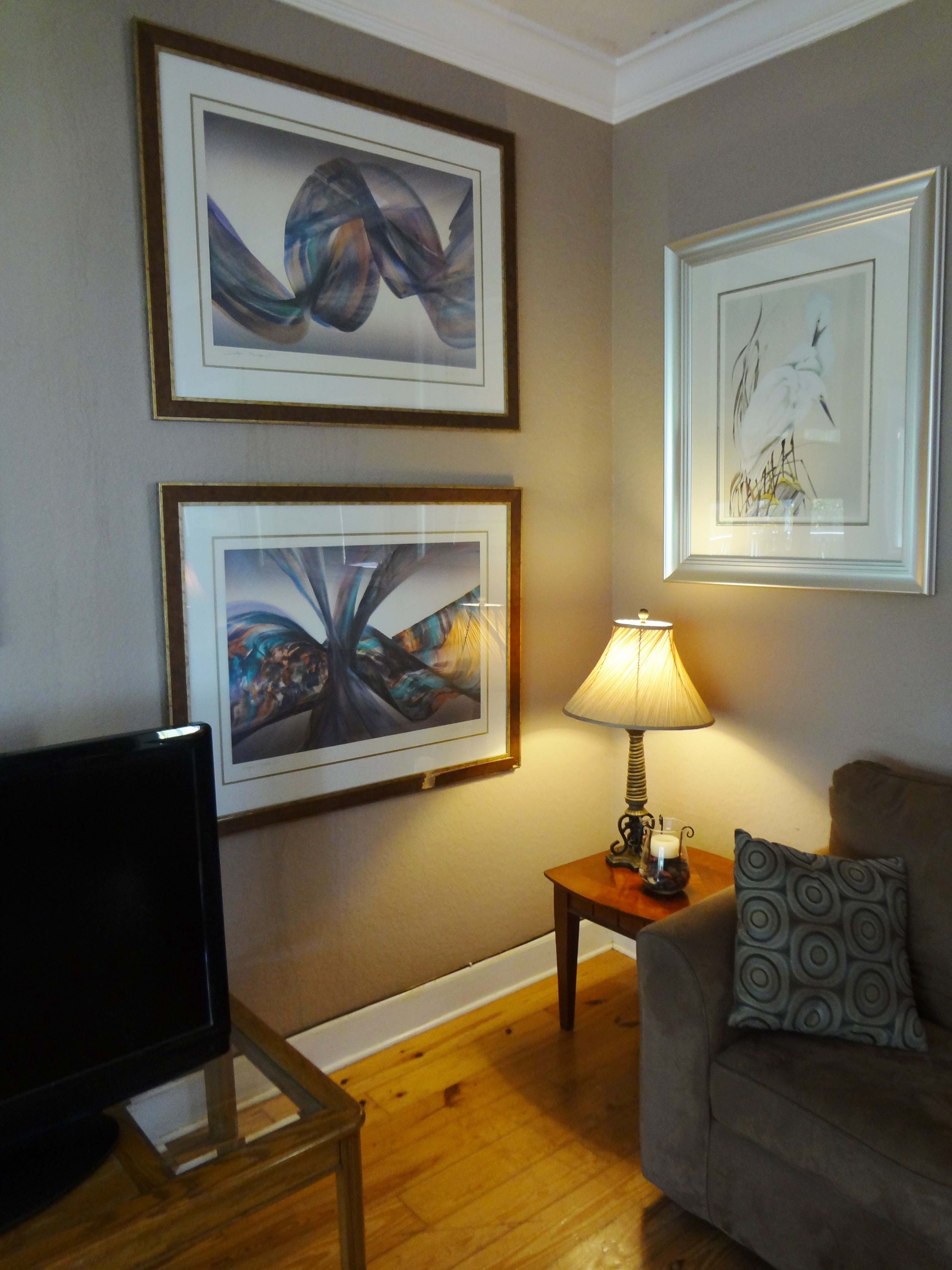 Recovery Room Design: 12 Palms Rehab Center Living Room View