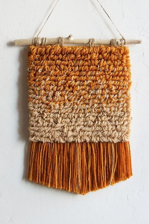 Woven Wall Hanging In Beige Ochre Terracotta Yarn Wall Hanging Modern Tapestry Woven Wall Art In 2020 Weven Breien Diys
