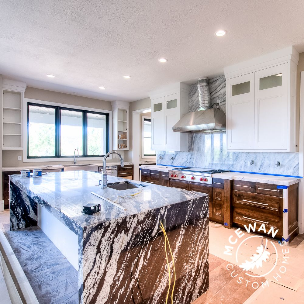 Granite and quartzite together...  Truly breathtaking! l McEwan Custom Homes #mcewancustomhomes #details #home #homes #homebuilder #homebuilding #homedesign #design #newhome #newconstruction #custom #custombuilder #customhomes #customhome #customdesign #utahcounty #utahbuilder #utah