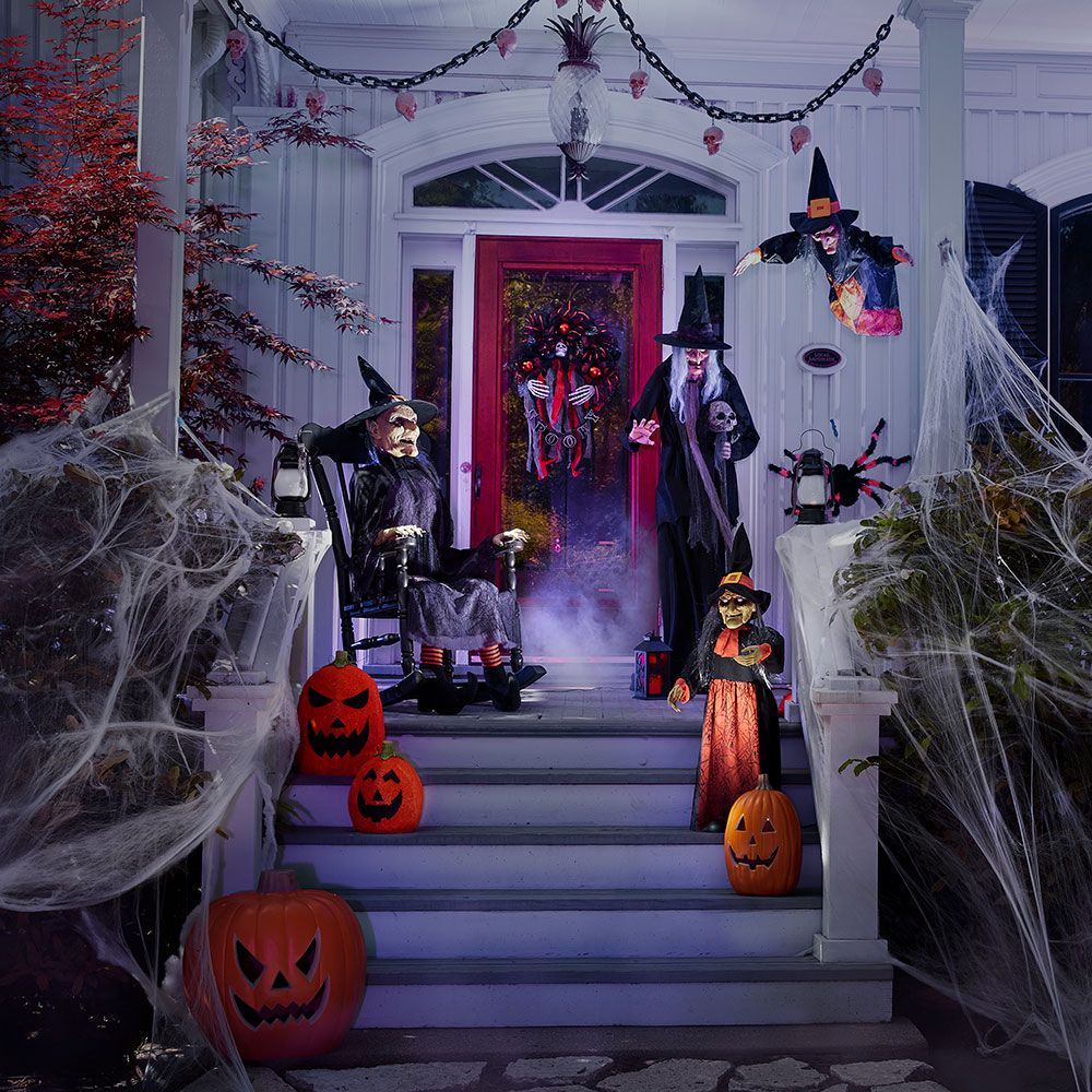 Haunted House Ideas For Halloween This Year Halloween House Halloween Home Decor Halloween Room Decor