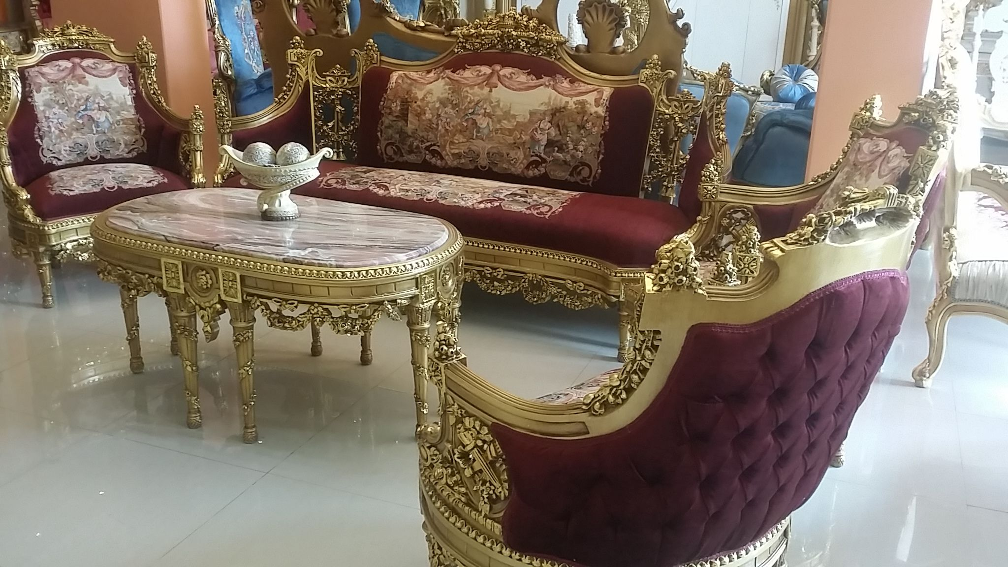 Exceptional Luxury Sofa, Wood Carving, Vintage Furniture, Cleveland, Salons, Sofas