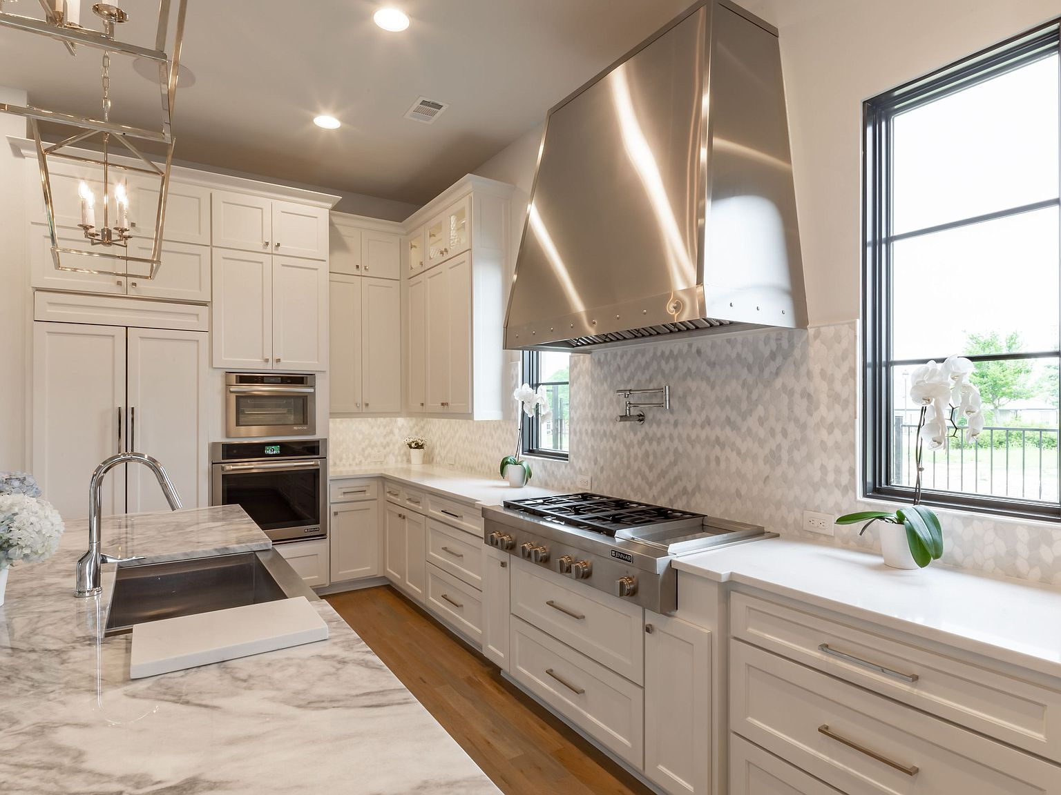 Carter Home Remodeling Offers Complete Solutions For Kitchen Remodeling In San Leandro And The Surr Kitchen Remodel Home Remodeling Contractors Home Remodeling