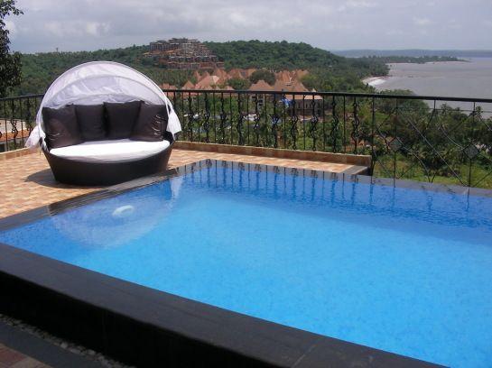 Perimeter Overflow Pool Designs | Best Tile For Pool Deck With Perimeter Overflow  Swimming Pool Design .