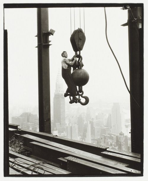 Lewis Wickes Hine, ca. 1931, Empire State Building, New York