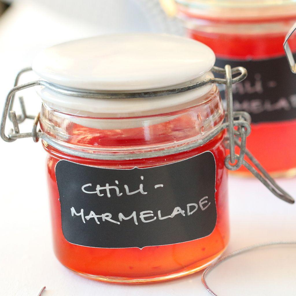 Chilimarmelade er en ny favoritt, både som tilbehør til ost, men også på smørbrød eller til en middagsrett som tåler litt ekstra chili