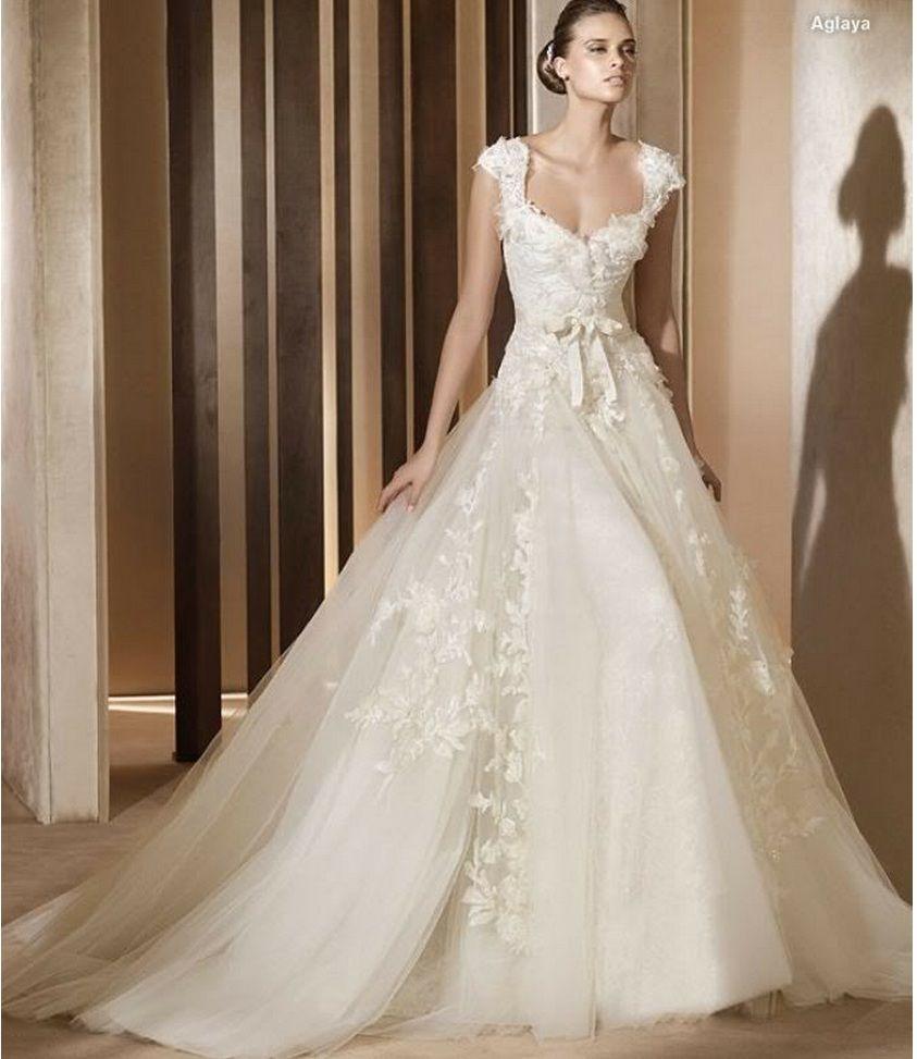 Vestido de Novia - VN42 (frente) - Realizado en satén 395. Escote ...