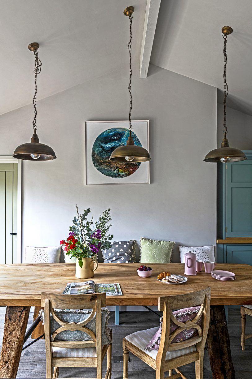 La Renovation D Une Grange En Bois Pres De La Cote Du Devon Planete Deco A Homes World En 2020 Grange En Bois Decoration Appartement Decoration Maison