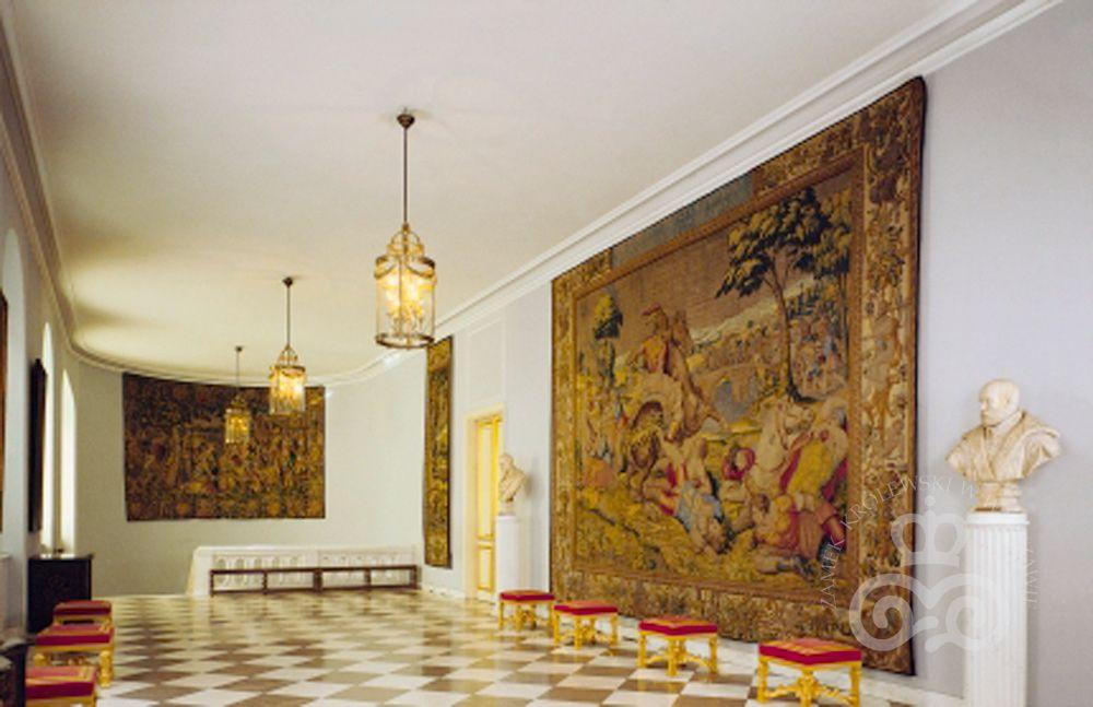 Galeria Owalna - Castelo Real de Varsóvia. Apartament Wielki. Fotos: John Morek e Wojciech Kryński. https://www.zamek-krolewski.pl/zwiedzanie/wnetrza/apartament-wielki