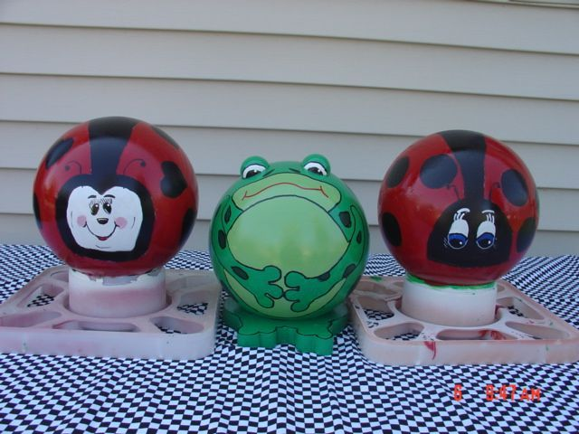 Ladybug Bowling Balls For Sale | Bowling Ball Frog And Ladybugs | Garden  Stuff
