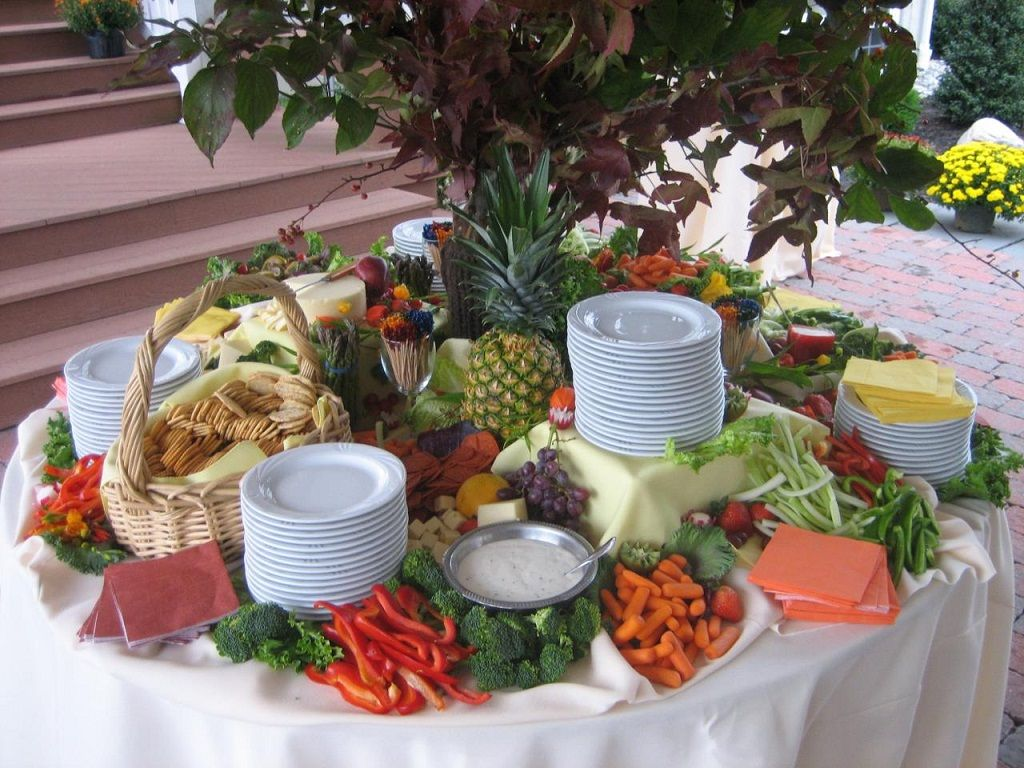 Wedding appetizer table currymantra food table for Appetizer decoration