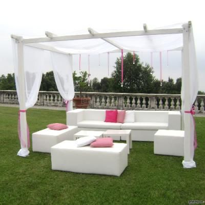 Grazioso gazebo per un #matrimonio all'aperto con dettagli #rosa