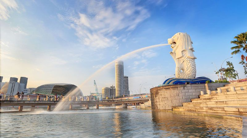 Merlion Park Singapore Is A Lion Head Statue That Has Fish Body This Becomes The Mascot Of Name