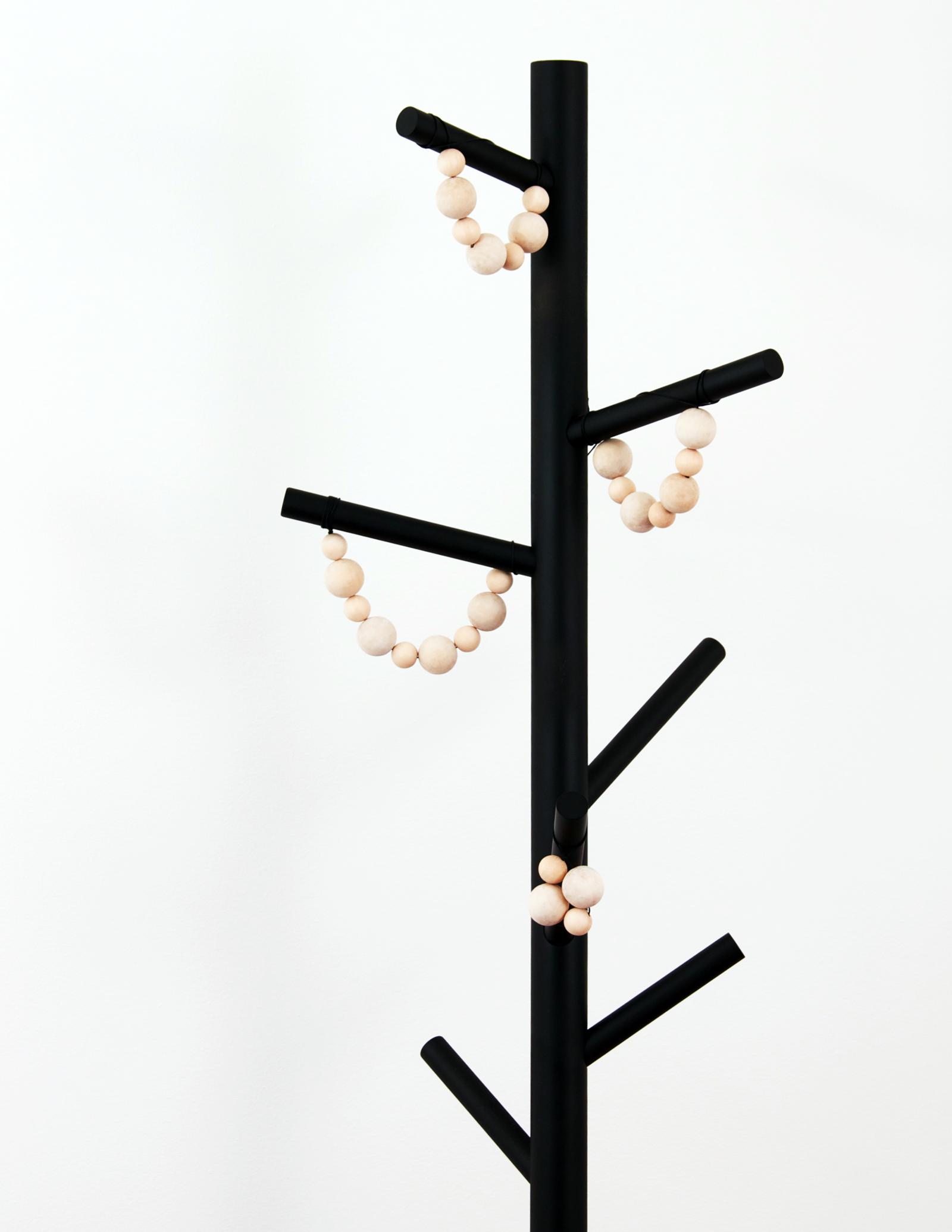 DIY Holiday Tree | MeetMinnie Magazine Winter 2014