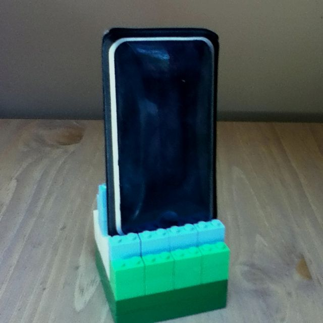 Diy Ipod Phone Stand Made From Legos My Version Took