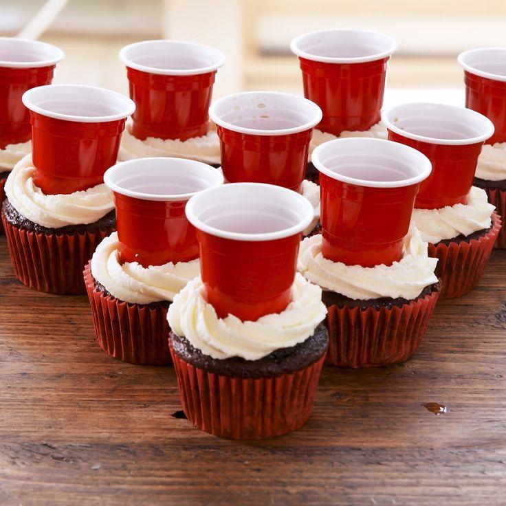 Bier Pong Cupcakes -