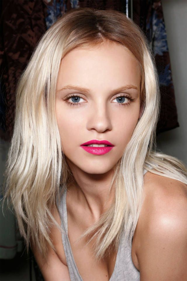 How To Hide Your Roots Between Salon Visits Blonde Hair Red Lips Light Blonde Hair Fuschia Lipstick