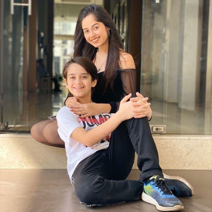 Actor and Social Media star, the stunning Debina Bonnerjee