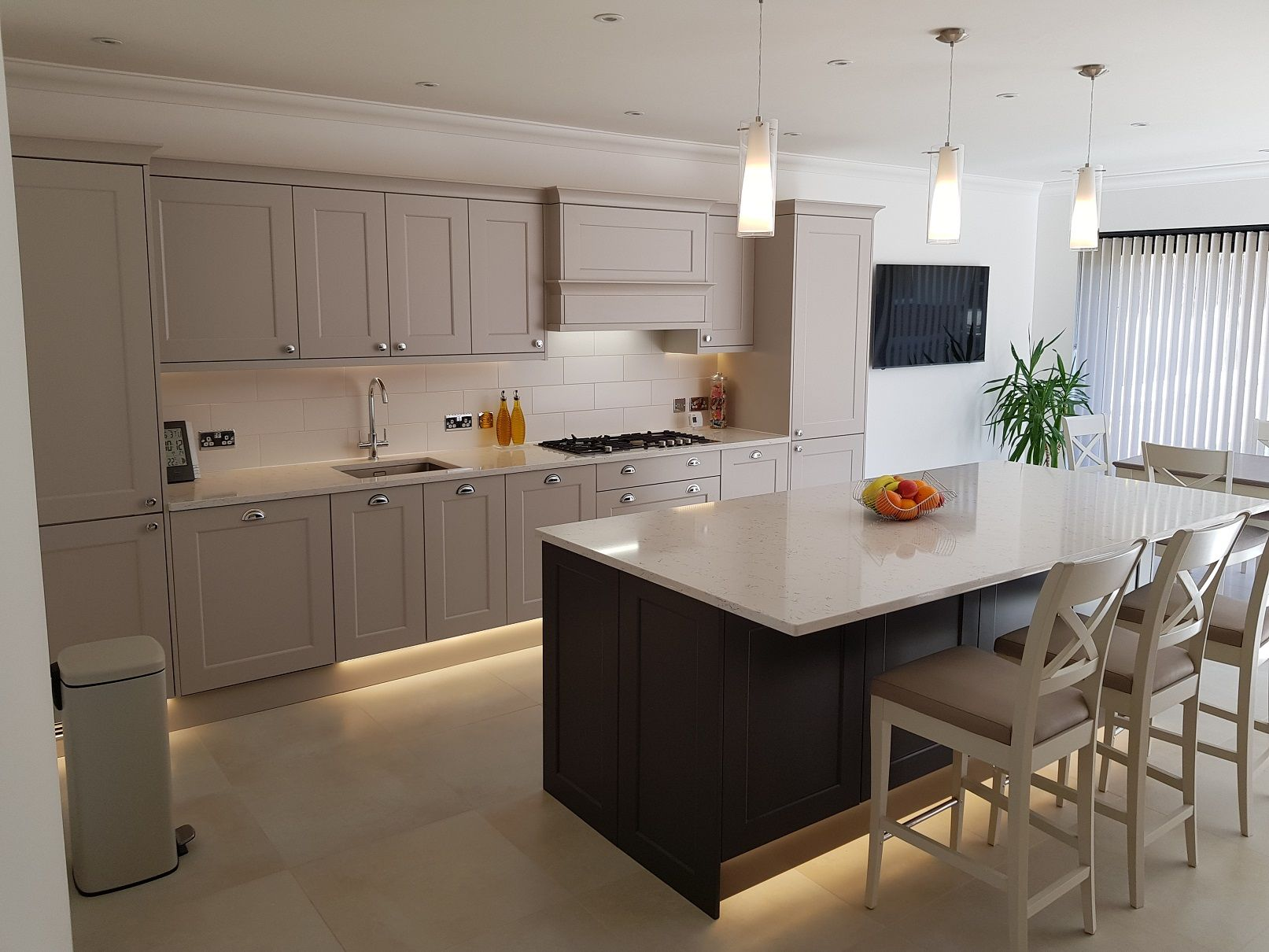 Cashmere & Graphite Shaker Hallmark Kitchen Designs