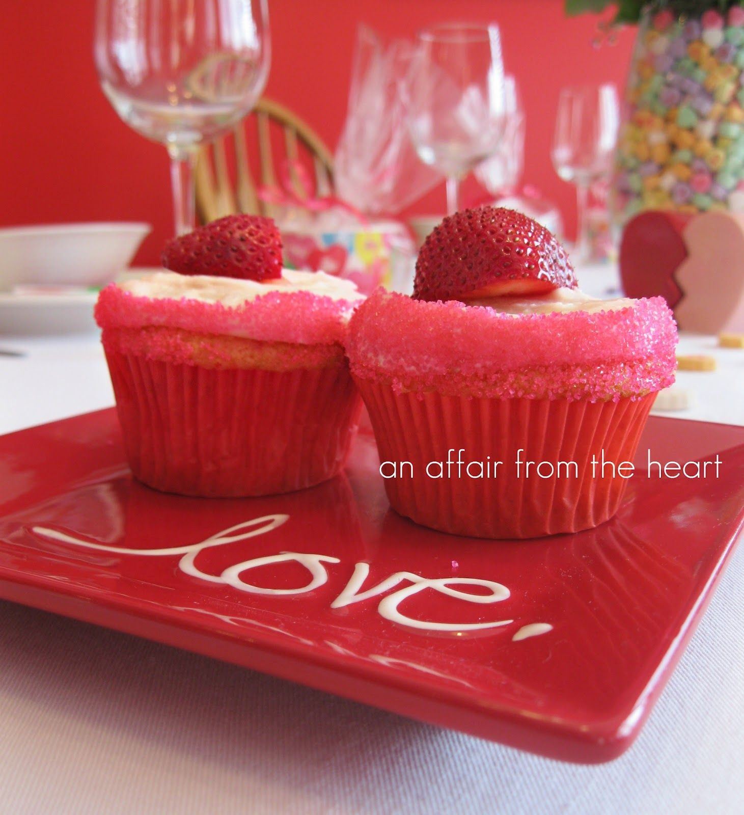an affair from the heart: Strawberry Daiquiri Cupcakes. Add an umbrella for the complete look!