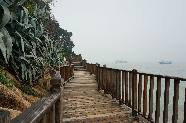环岛路木栈道 Wooden plank road around the island
